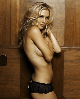 Willa  Ford photo