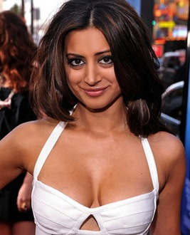 Noureen  DeWulf photo