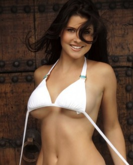 Amanda Cerny Photos, Galleries and Videos