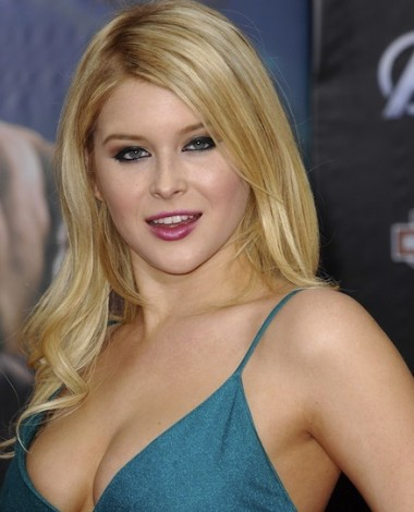 Renee Olstead, Renee Olstead sexy photos, hot celebrity wom
