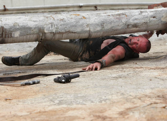 merle handcuffed, merle walking dead season 1