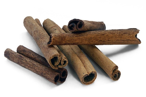 Cinnamon helps to relieve nausea