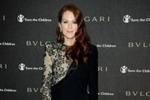 Julianne Moore wows in a lace LBD