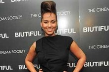 Hot or Not: Alicia Keys rocks Victoria Beckham dress