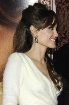 Angelina Jolie creates jewellery collection