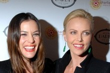 Celebrity trend: Liv Tyler and Charlize Theron rock coral lips