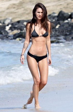 Megan Fox Hawaiin beach
