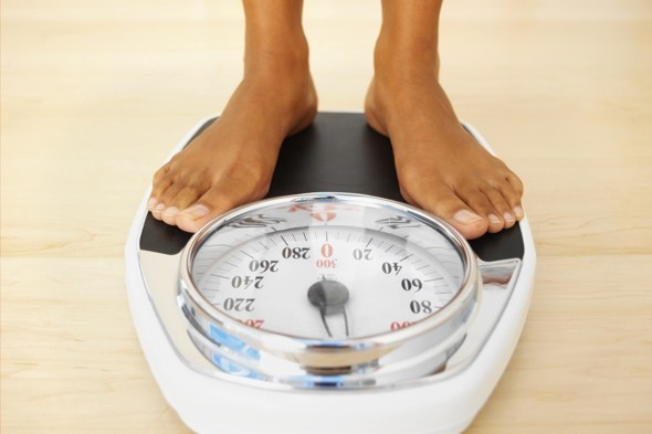woman-on-bathroom-scales-yo-yo-dieting