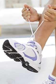 active-woman-trainers-exercise