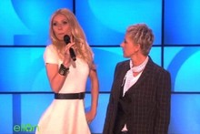 Video: Stylish Gwyneth does a rap on Ellen