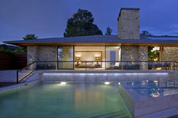 Picture of jennifer aniston s house