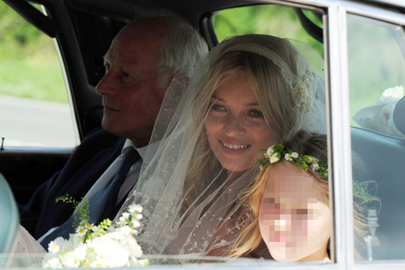 kate moss wedding date. kate moss wedding guest. Kate Moss marries Jamie Hince