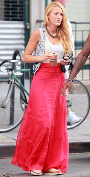 Blake Lively has a maxi moment
