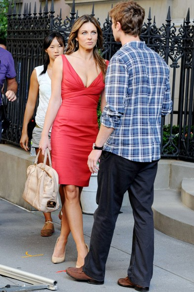 Liz Hurley makes her Gossip Girl debut