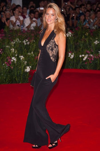 Bar Refaeli at the Carnage premiere
