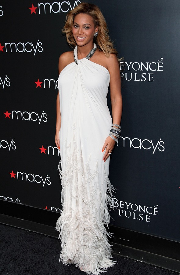 Beyonce at the Pulse fragrance launch in Macy's