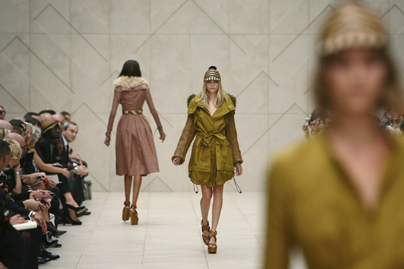 Catwalk Review: Burberry Spring/Summer 2012