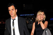 Jennifer Aniston slips on figure-hugging LBD for date night with Justin Theroux