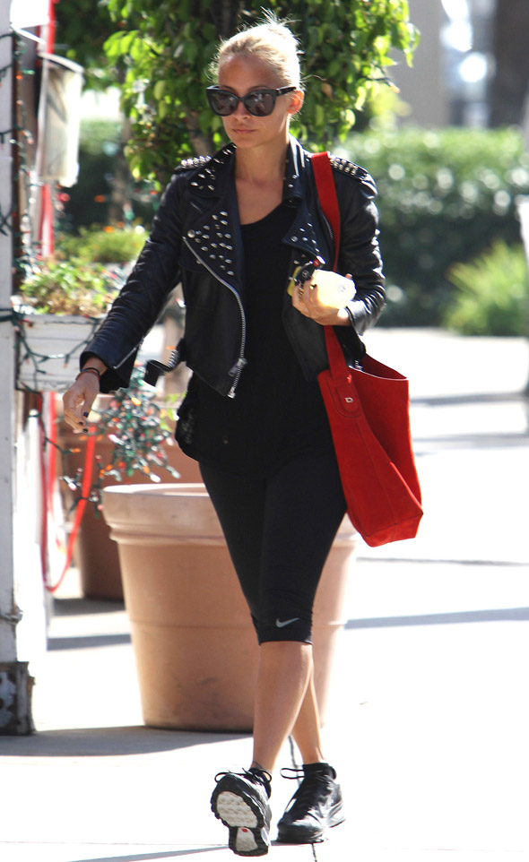 Nicole Richie pounds the pavement in her gym kit (plus studded leather jacket)