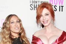 SJP totally upstaged by Christina Hendricks' cleavage
