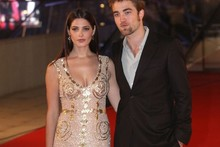 R-Patz and Ashley Greene hit the red carpet for latest Twilight premiere