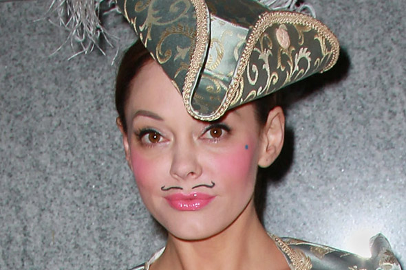 Beauty trend? Rose McGowan rocks a moustache