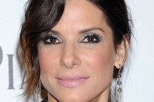Beauty look of the week: Sandra Bullock at 2011 amfAR Gala