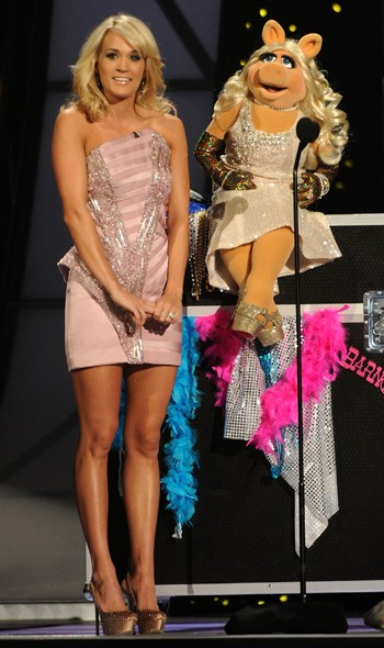 Carrie Underwood and Miss Piggy