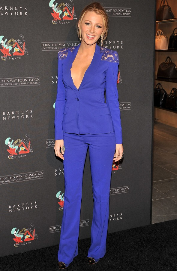 Hot Or Not: Blake Lively's Purple-Blue Two-Piece Suit | HuffPost UK