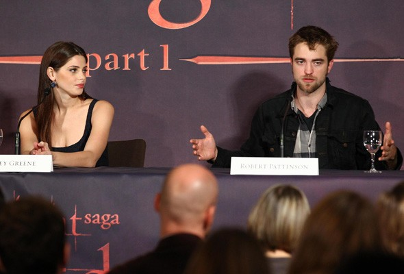 Ashley Greene and Robert Pattinson at the Brussels press conference