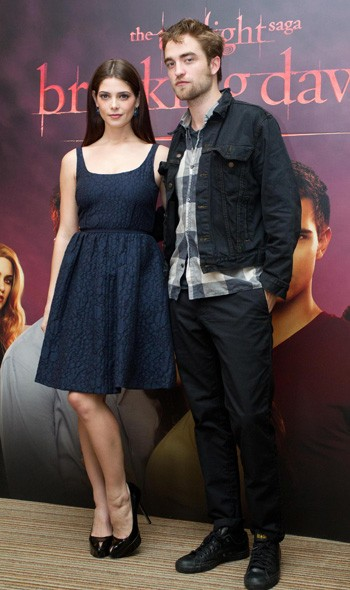 Ashley Greene and Robert Pattinson at the Brussels photocall