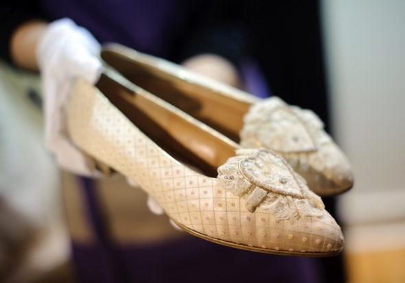 Princess Diana's Wedding Shoes Join Audrey Hepburn's Oscar ...