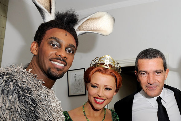 Antonio Banderas hangs out with Richard Blackwood - wait, what?