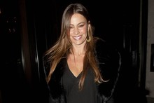 Sofia Vergara deliberately upsets MyDaily by ditching her skirt in favour of sheer tights
