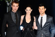 Twilight stars hit London for Breaking Dawn premiere