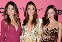 Miranda Kerr and co glam up for Victoria's Secret viewing party
