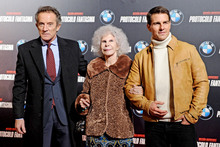 Dear Duchess of Alba, we love you and your iron grip on Tom Cruise