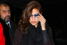 Eva Mendes jets off in style