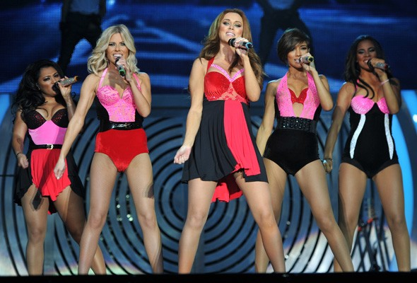 Stage style showdown: The Saturdays vs Little Mix
