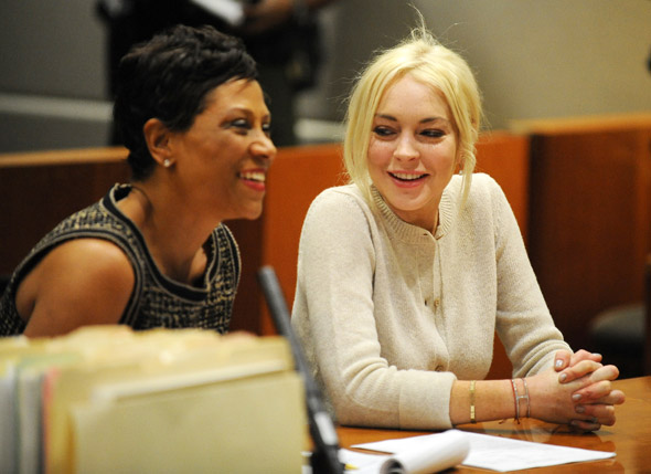 Lindsay Lohan: Latest court appearance, better outfit, no heinous blusher