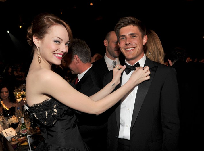 Emma Stone and Chris Lowell