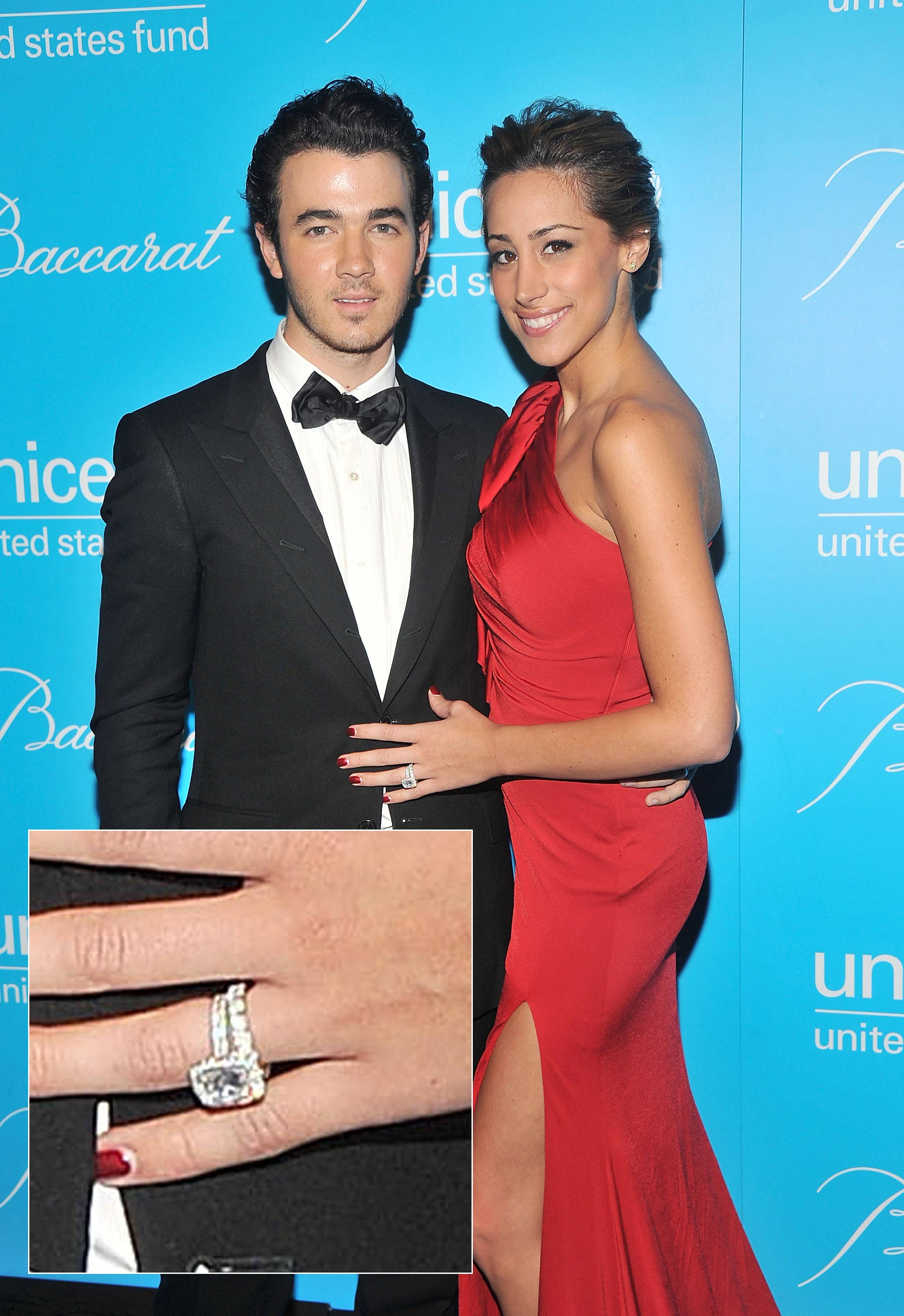 Danielle Jonas Wedding Ring - Justin Bieber and Usher on the VMA ...
