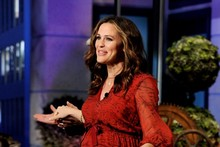 Jennifer Garner's baby bump is blooming on The Tonight Show
