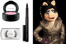 Miss Piggy does makeup with Mac