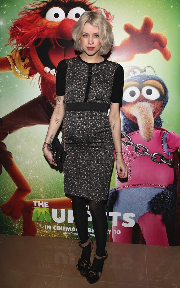 Peaches Geldof takes baby bump to meet the Muppets