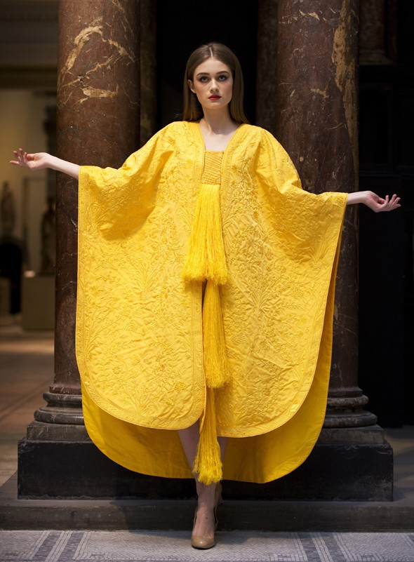 Amazing golden cape made entirely from spider silk to go on show at V&A
