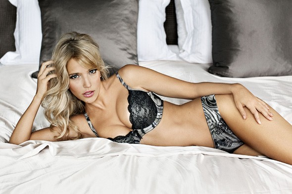 Michael Buble's wife Luisiana Lopilato stars in Ultimo's Valentine's Day campaign