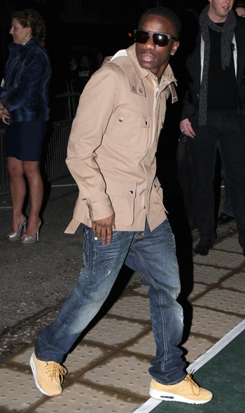 Tinchy Stryder arriving at the Universal party