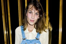 Alexa Chung-arees: Presenter gets her overalls on for fashion party