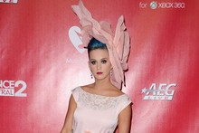 My Fair Lady: Katy Perry channels Eliza Doolittle for Paul McCartney tribute